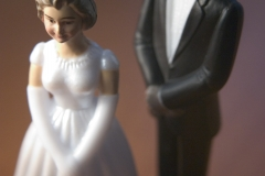 bride-and-groom-figurines-2-1313890